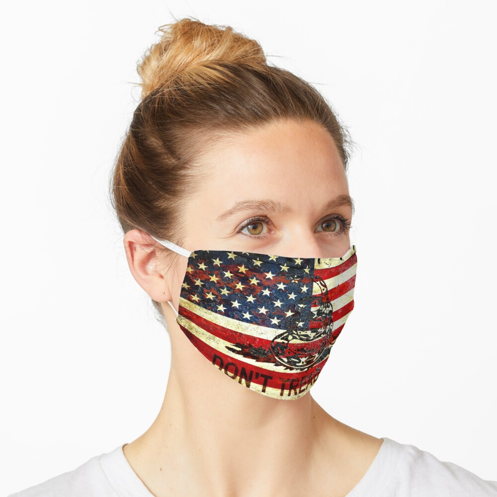 American Flag And Viper On Rusted Metal Door - Don't Tread On Me Face Mask
